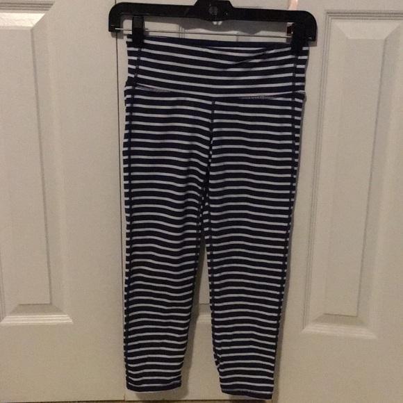Athleta Pants - Athleta navy stripe crop leggings sz xs 57435